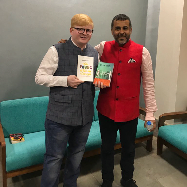 Ronak Shah from Navbharat Sahitya Mandir with the author of the #YoungIndia! A special thanks to Jay Vasavada for making this possible.  #NavbharatSahityaMandir #Books #Reading #LoveForReading #BooksLove #BookLovers #ChetanBhagat