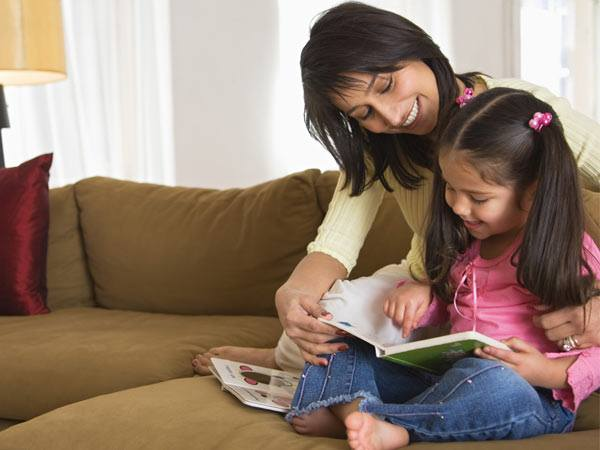 Reading with kids is one of the most beautiful time you spare in their life!