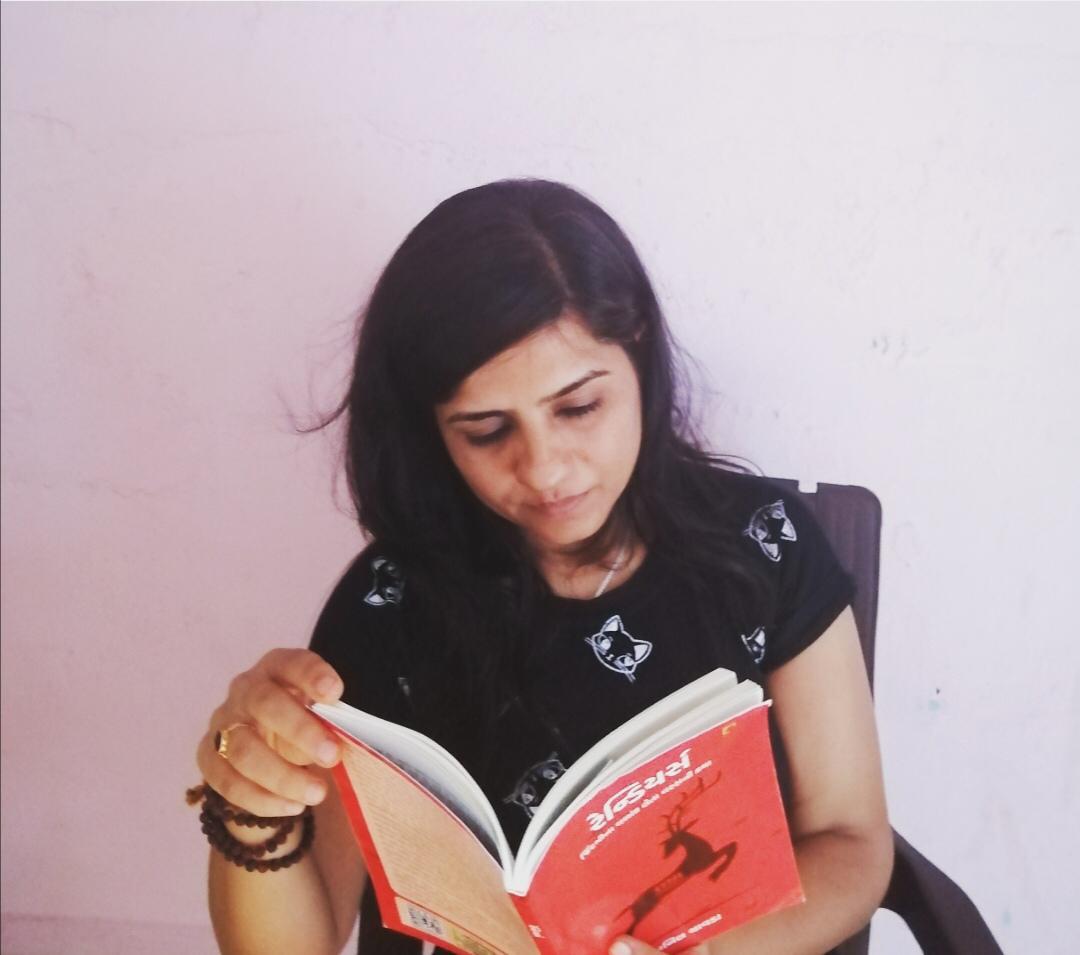 કવિ મેગી અસનાની 'રેન્ડિયર્સ' નવલકથા વાંચીને અમને પ્રતિભાવ મોકલ્યો તે બદલ અમે તેમના આભારી છીએ.  પુસ્તક માટેની લિંક : https://t.co/Pcg098Xcqc  #NavbharatSahityaMandir #ShopOnline #Books #Reading #LoveForReading #BooksLove #BookLovers #Bookaddict #Bookgeek #Bookish #Bookaholic https://t.co/I7GJRmdkc2